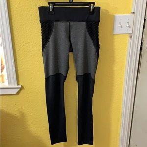 MICHI Pants - Michi Shadow Leggings Medium